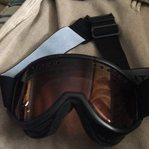 SMITH Ski/snowboard unisex goggles. Lens scratched